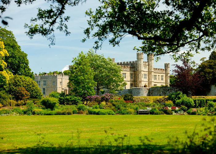 Leeds Castle Png - Beautiful gardens and centuries of history at Leeds Castle, Kent ...