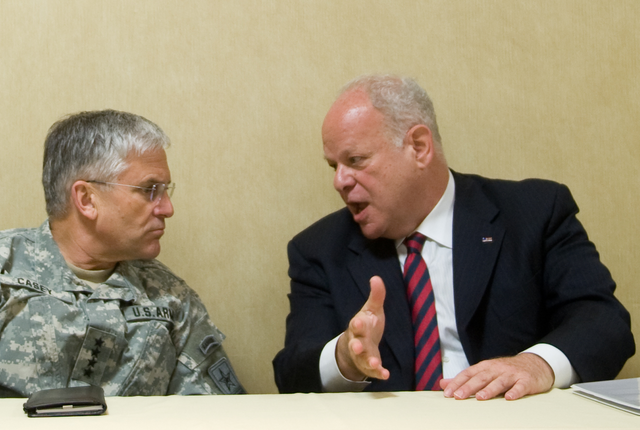 Martin Seligman Png - File:Dr. Martin Seligman i gen. George W. Casey Jr.png - Wikimedia ...