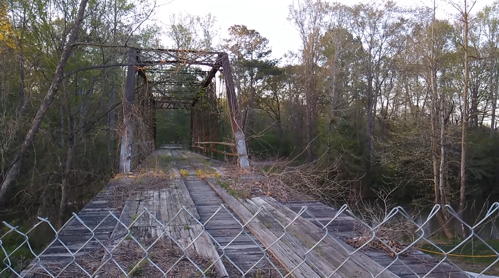 Haunted Road Png - Haunted Road Trip: The Horrors Of Hell's Gate Bridge, Oxford, Alabama