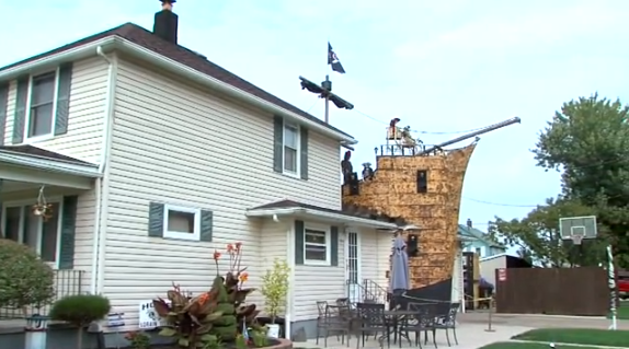 Pirate Ship 2png - Lorain County Man Builds Enormous Pirate Ship Addition to His Home ...