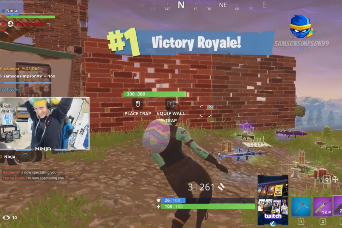 Some One Playing Video Game Png On Screen - Ninja played more Fortnite with Drake, who gave him $5,000 for ...