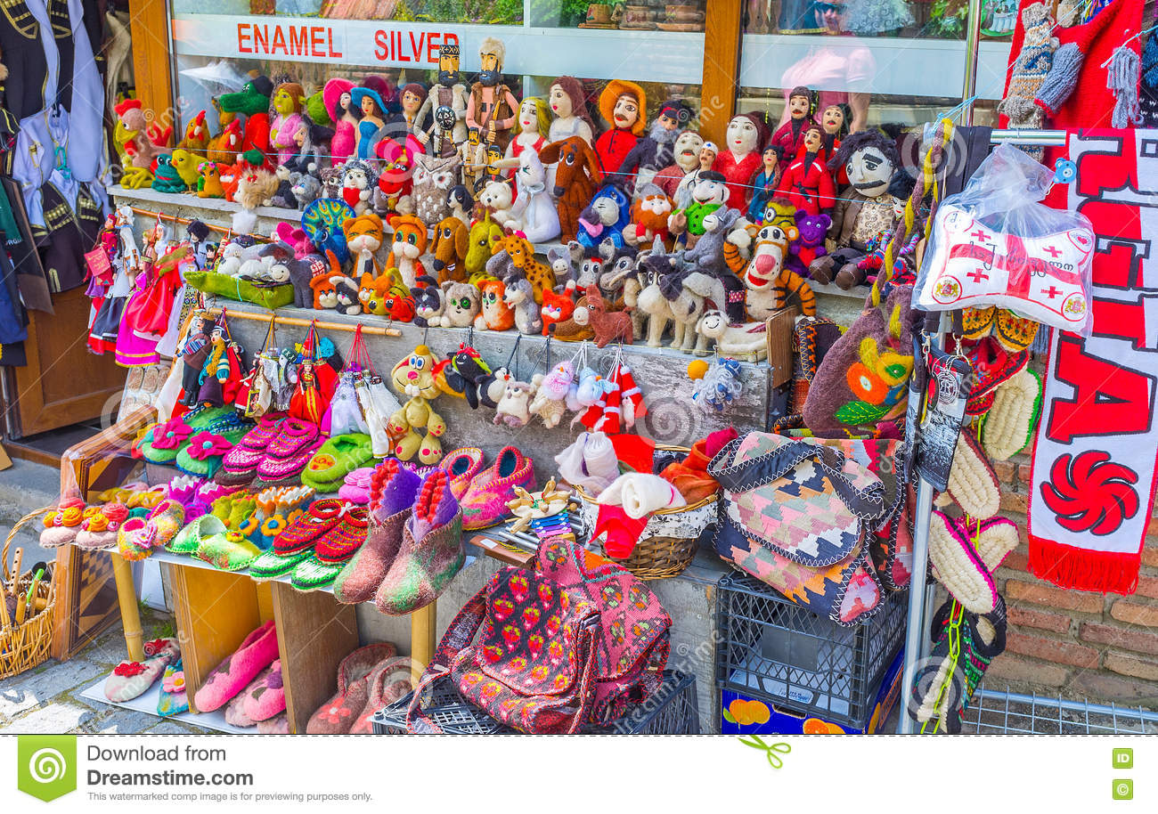 Cartoon Dalls - The felted wool toys editorial stock photo. Image of market - 77936623